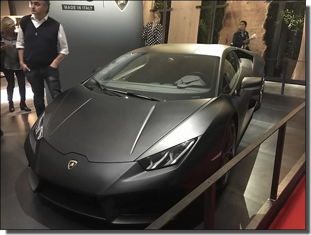 ランボルギーニ展示車