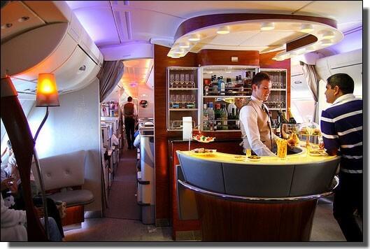エミレーツ航空のバー