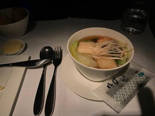 機内の夜食