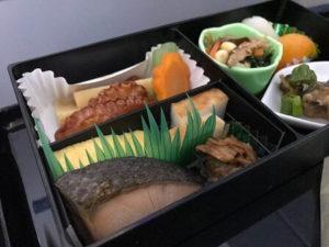 ビジネスクラス機内食