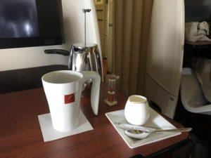 JAL国際線ファーストクラスのコーヒー