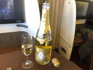 JAL国際線ファーストクラスのシャンパン