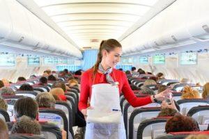 飛行機のおすすめの座席は窓側?通路側?